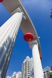 Lanternas e coluna chinesas Fotografia de Stock