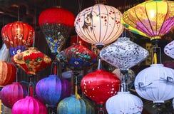 Lanternas na rua velha Hoi An, Vietname fotos de stock