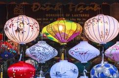 Lanternas na rua velha Hoi An, Vietname Fotos de Stock Royalty Free
