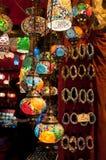 Lanternas turcas no bazar grande em Istambul, Turquia Foto de Stock