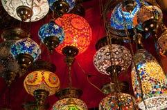 Lanternas turcas no bazar grande em Istambul, Turquia Imagem de Stock