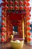 Lanternas vermelhas que decoram o ano novo chinês Foto de Stock Royalty Free