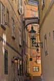 Lanterne élégante sur les bâtiments très vieux près de la place suédoise à Vienne Images stock