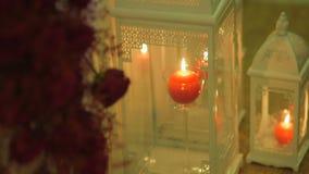 Lanterne bianche del ferro con candel video d archivio
