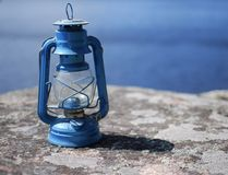 Lanterne bleue d'huile Photo stock