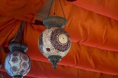 Lanterne colourful orientali tradizionali delle lampade Lampade arabe immagine stock libera da diritti