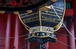 Lanterne dans le temple Sensoji de Kannon à Tokyo Image libre de droits