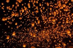 Lanterne de flottement en Thaïlande Photos stock