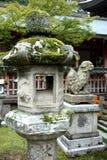 Lanterne di pietra Nara, Giappone Immagini Stock
