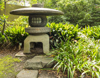 Lanterne en pierre japonaise Image libre de droits