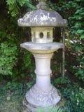 Lanterne japonaise de jardin Photographie stock