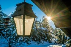 Lanterne pendant l'hiver Image libre de droits