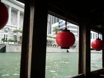 Lanterne sulla barca, Singapore immagini stock