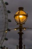 Lanterne sur la rue à Londres Images libres de droits