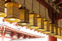 Lanterne in tempio di Shitennoji a Osaka, Giappone Immagini Stock
