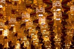 Lanternes chinoises à l'intérieur du temple et du musée de relique de dent de Bouddha Images libres de droits
