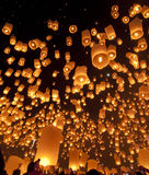 Lanternes de ciel au festival de lanterne Images libres de droits