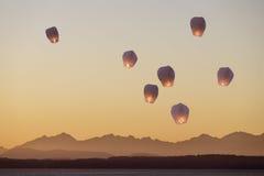 Lanternes de ciel volant vers le haut Photo stock