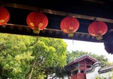 Lanternes de jardin de Fukushuen, l'Okinawa Image stock