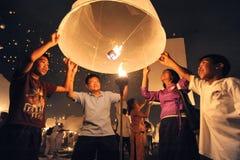 Lanternes de lancement de ciel image stock