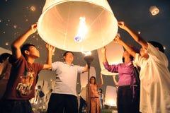 Lanternes de lancement de ciel photographie stock libre de droits