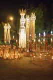 Lanternes du nord thaïlandaises en festival de Yee-Peng au temple Photographie stock libre de droits