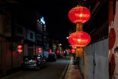Lanternes rouges sur les rues du Malacca, Malaisie photographie stock