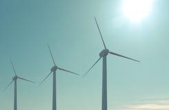 Lantgård för Windturbiner Royaltyfria Bilder
