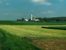 Lantgård i avståndet, Lancaster County, Pennsylvania royaltyfria foton