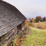 Lantgård i Sohodol i Rumänien royaltyfria foton
