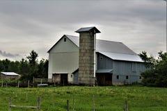 Lantgård som lokaliseras i Franklin County, upstate New York, Förenta staterna royaltyfri bild