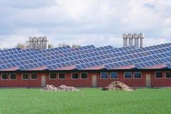 lantgården panels sol- Arkivbild