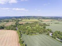 Lantgårdfält, betar, ängar, flyg- sikt av engelsk bygd Royaltyfria Foton