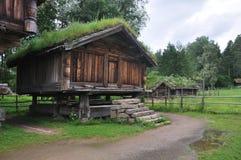 lantgårdhus norway norska gammala oslo Arkivfoton