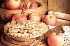 lantlig äpplepie royaltyfri fotografi