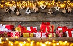 Lantlig bakgrund för dekorativ jul royaltyfri foto