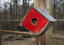 lantlig birdhouse Royaltyfria Bilder
