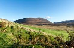 Lantlig bosättning, Rackwick fjärd, ö av hoyen, Orkney öar Royaltyfria Foton
