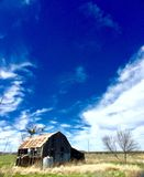 Lantlig byggnad i Texas på en övergiven ranch Arkivfoto