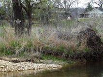 Lantlig flod Arkivbild