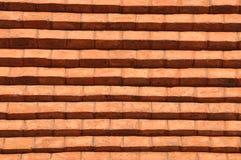 Lantlig gammal vägg för röd tegelsten Royaltyfri Bild