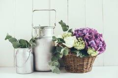 Lantlig hem- dekor fotografering för bildbyråer