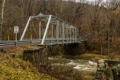 Lantlig historisk bro - Fredericktown, Ohio Fotografering för Bildbyråer