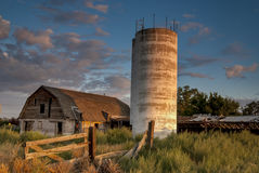 Lantlig ladugård i meridianen Idaho Arkivfoto