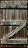 lantlig ladugårddörr arkivfoto