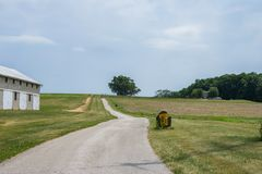 Lantlig landsYork County Pennsylvania jordbruksmark, på en sommardag arkivfoto