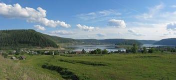 Lantlig lanscape av Bashkortostan Royaltyfri Fotografi