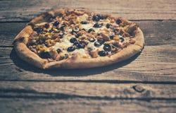 lantlig pizza Arkivfoton