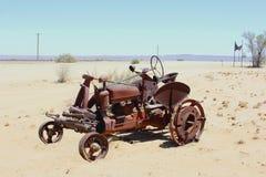 Lantlig retro tappningtraktoröken, Namibia, Afrika Fotografering för Bildbyråer
