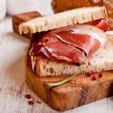 lantlig smörgås för baconlantbrukarhem Fotografering för Bildbyråer